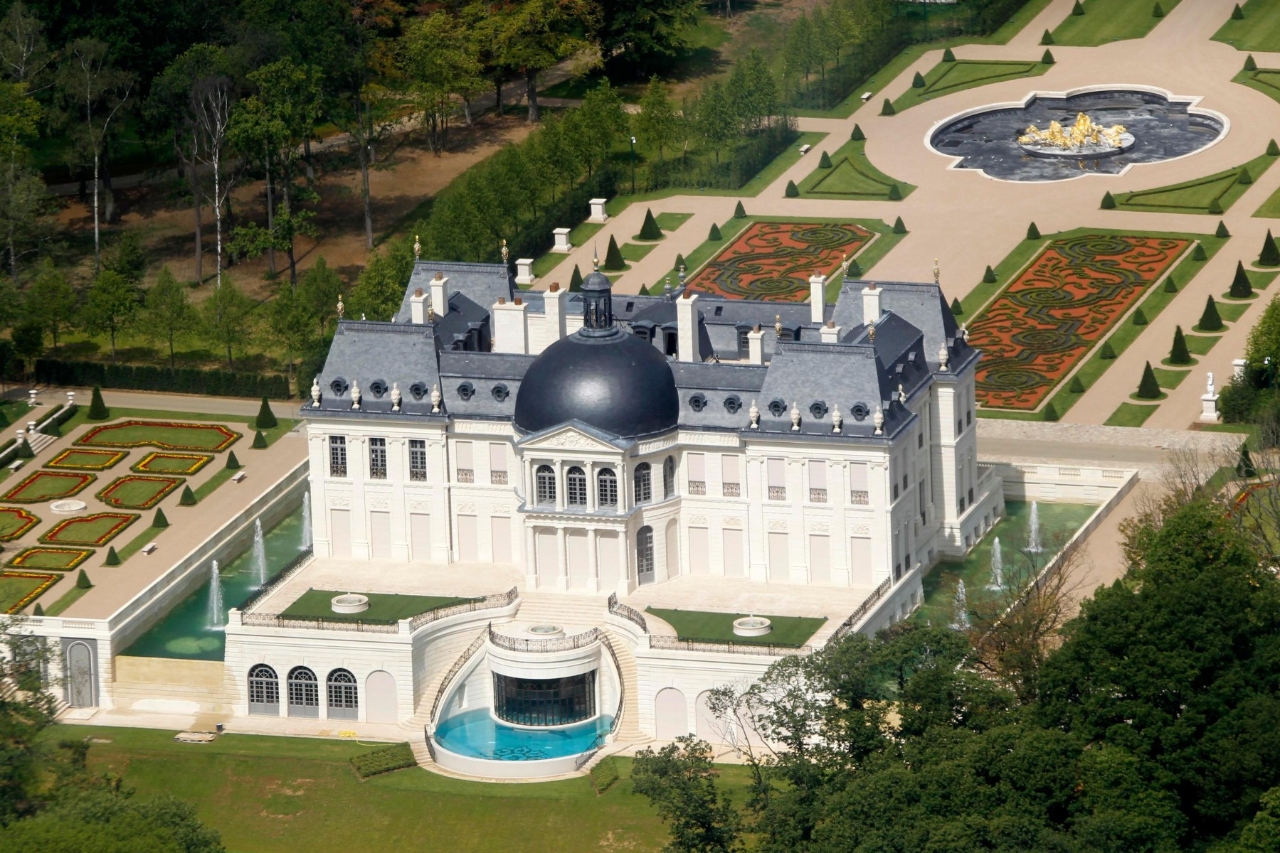 bin Salman owns the world's most expensive home