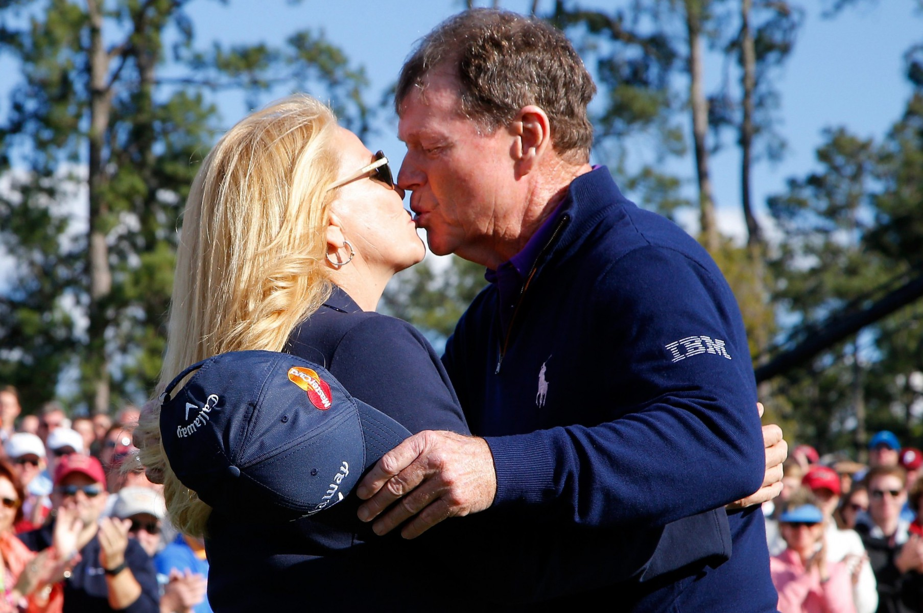 Watson kisses his wife at the 2016 Masters Tournament at Augusta National Golf Club