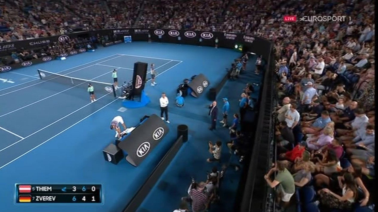Play was suspended for ten minutes as Australian Open chiefs tried to fix the electrics