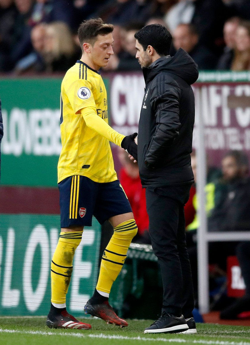 Mesut Ozil lasted 63 minutes before being subbed off for Joe Willock