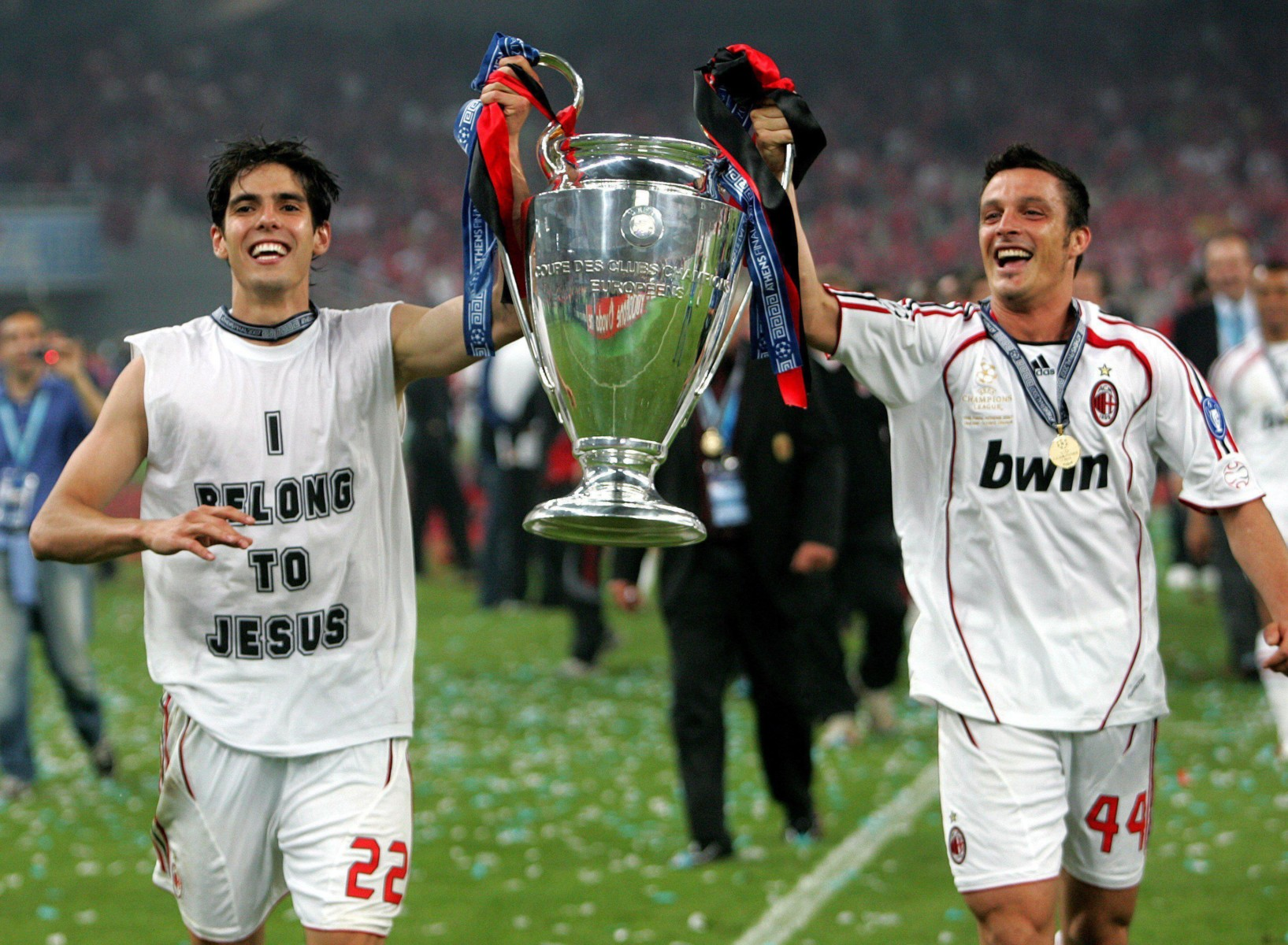Kaka celebrates Champions League success in Athens in 2007