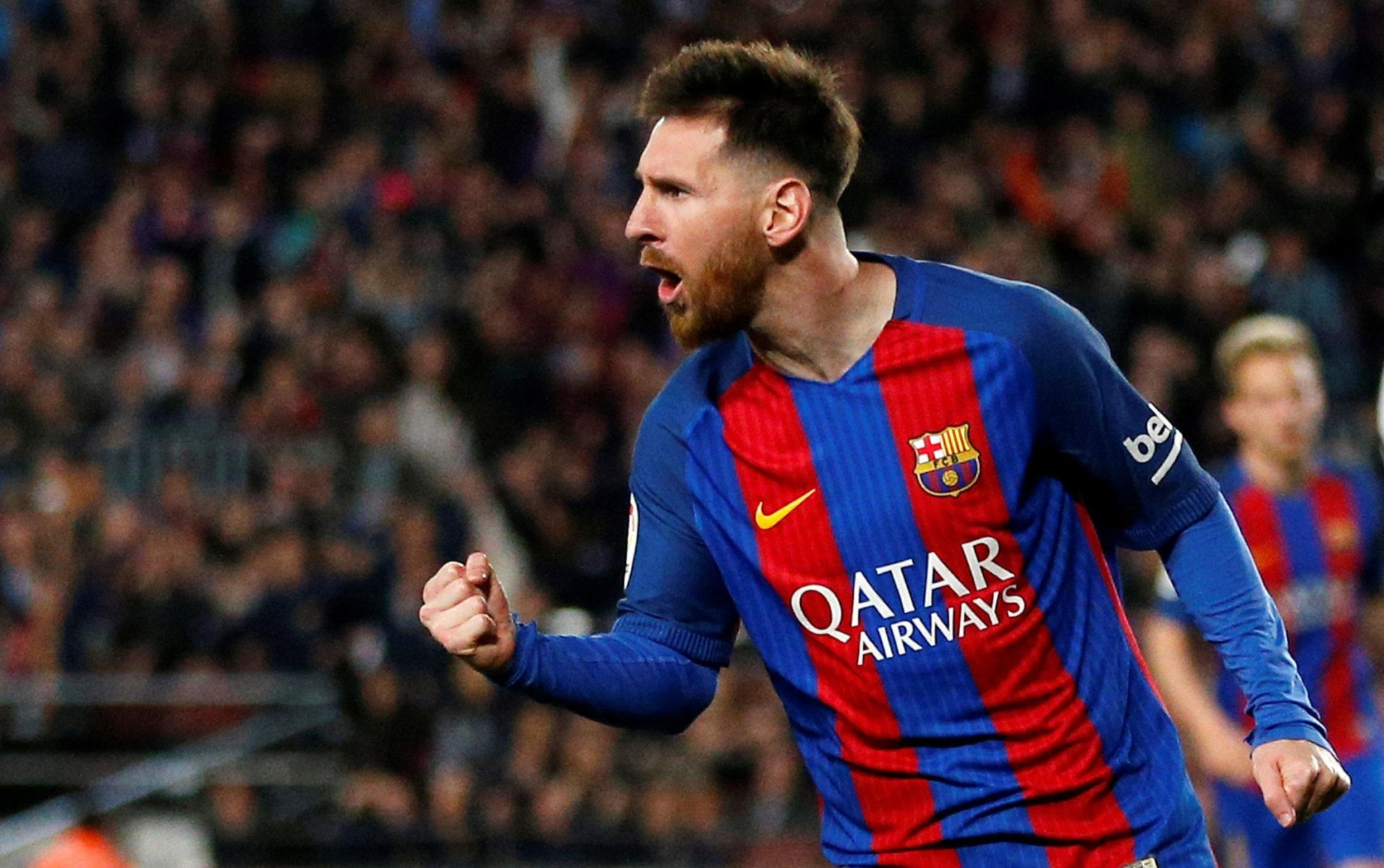 Barcelona star Lionel Messi lines up as a No.10
