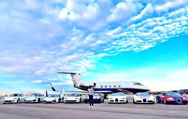 Mayweather likes his cars in white in Las Vegas