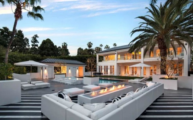The outside of Mayweather's LA mansion shows the life of luxury he is living