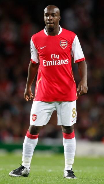Lassana Diarra struggled to dislodge Mathieu Flamini in the Arsenal midfield